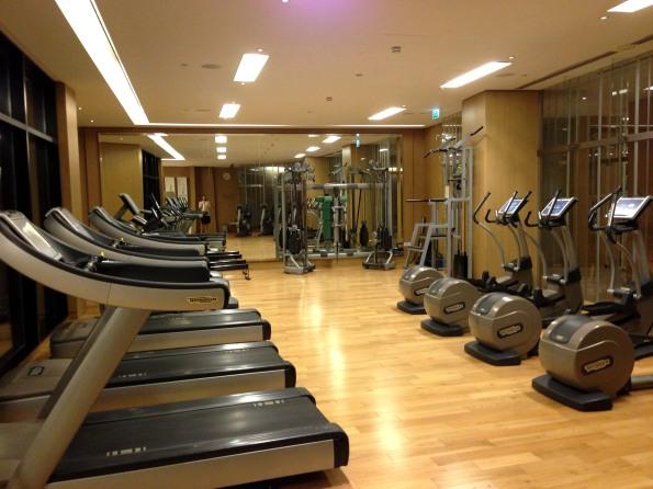 So many cardio machines!