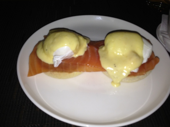 Eggs benedicts properly done