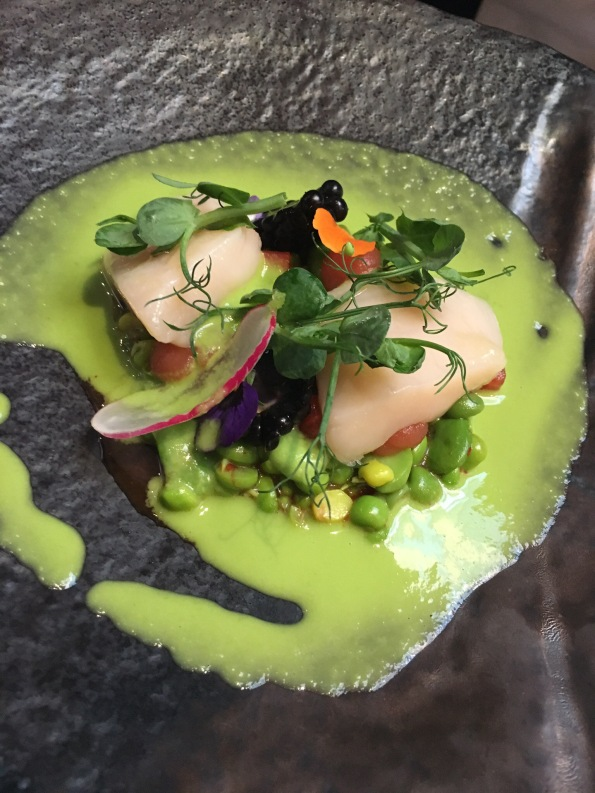 Scallop and pea mojito